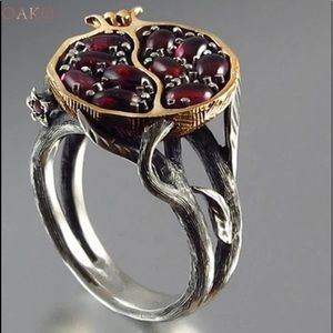 💍 Stunning Pomegranate Cocktail Ring 💍